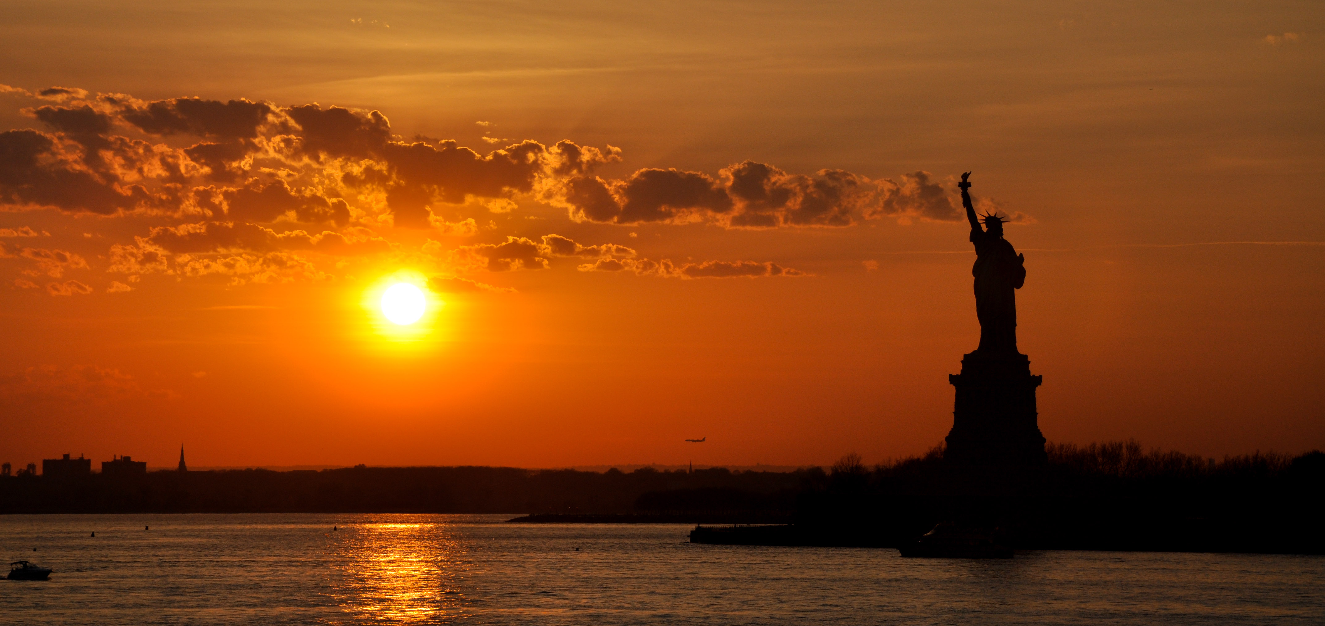 New York: Liberty at sunset